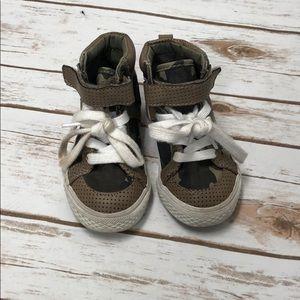 Hi top camo shoes